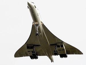 フィルトン空港を離陸したコンコルド(2003年11月26日)