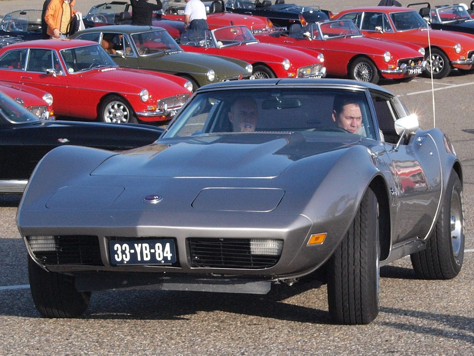 Corvette Stingray dutch licence registration 33-YB-84 pic2
