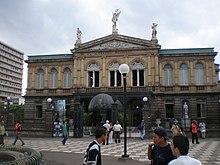 Teatro Nacional de Costa Rica desde afuera