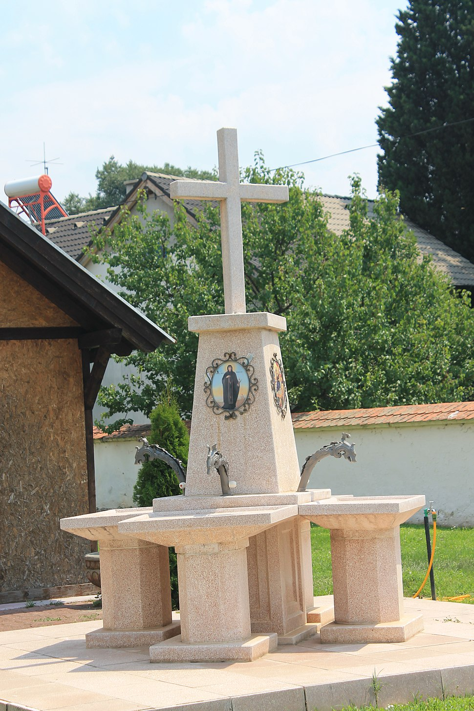 Crkva Rođenja Presvete Bogorodice (Sremska Kamenica), jul 2018. 293