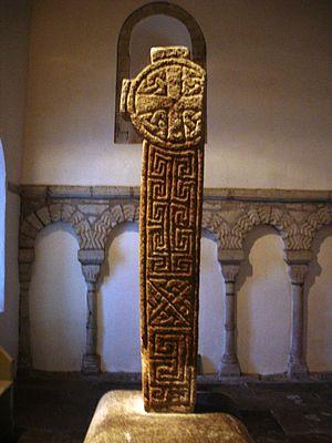 Maccus mac Arailt - Image: Cross St Seiriol's Church