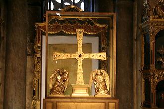 Cross of the Angels - Image: Cruz de los Ángeles de Oviedo