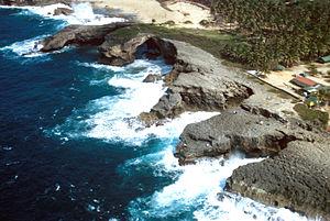 ארסיבו: Cueva del Indio aerial, PR