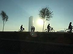 Cyclists in Pyongyang 1.jpg