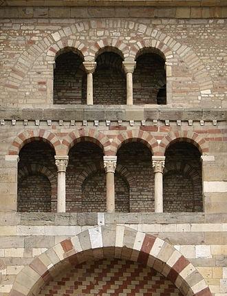 Cathedral of Trier - Image: Détail façade Cathédrale de Trèves 290608 1