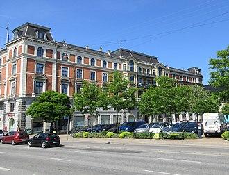 Dantes Plads - The Dante Column and Holckenhus