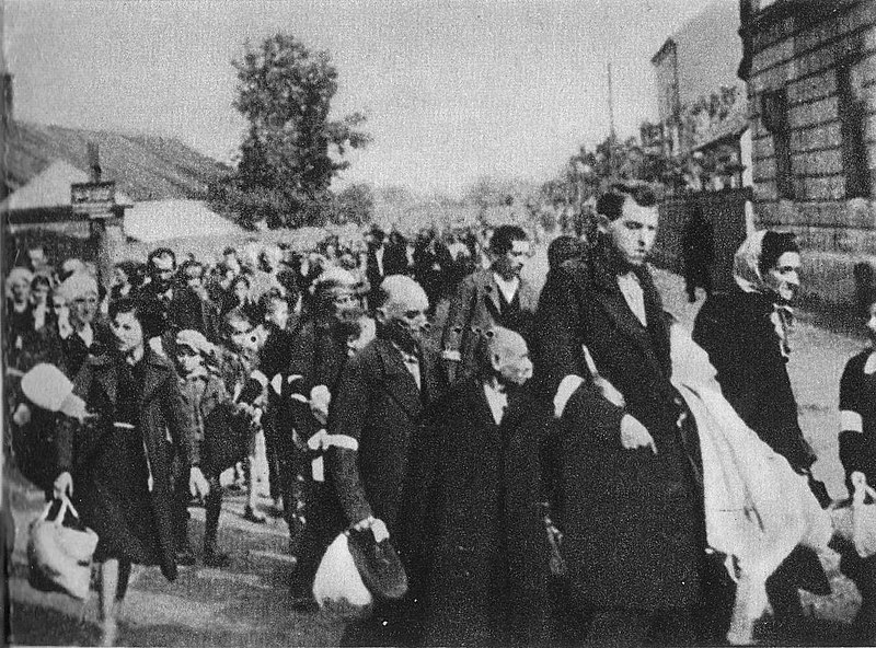File:Deportationof Jews from Rzeszów ghetto 1942.jpg