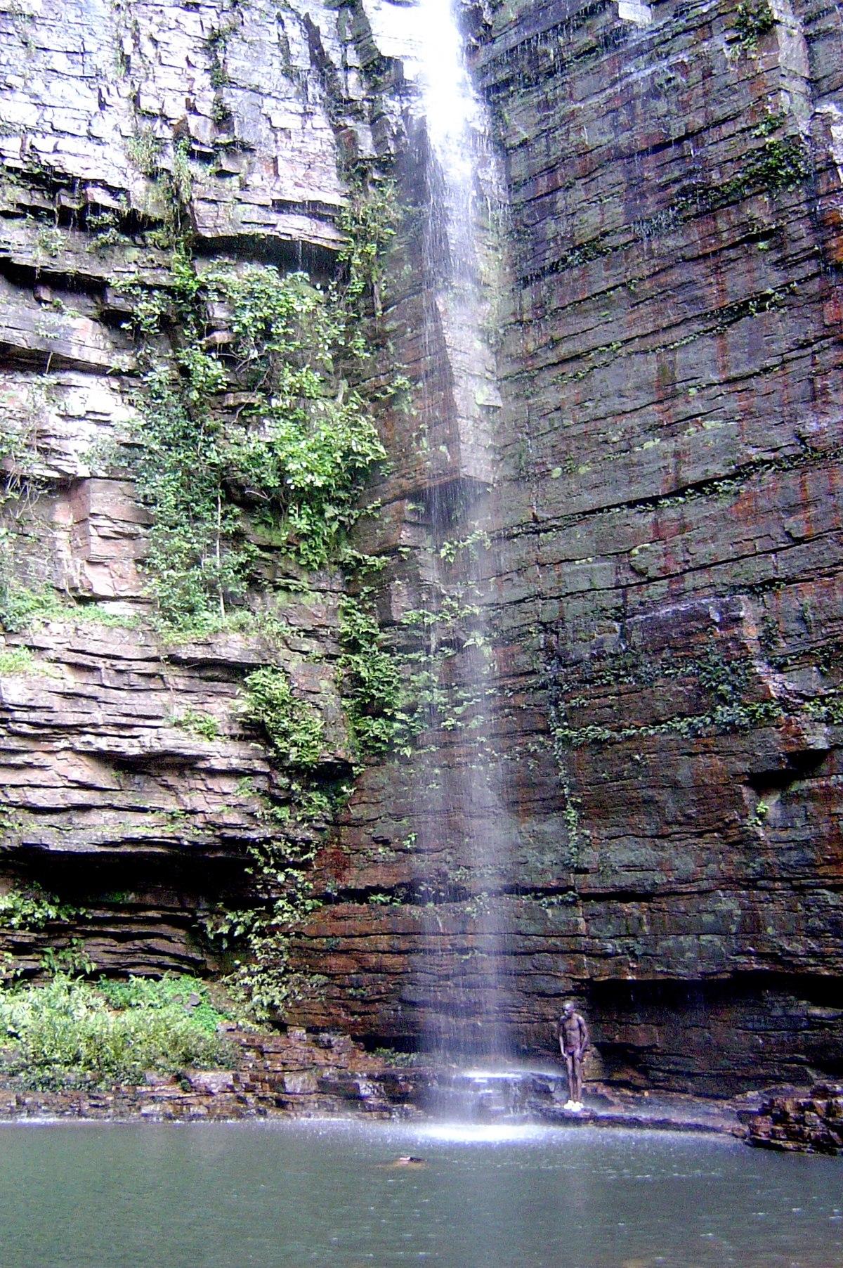 dindefelo falls