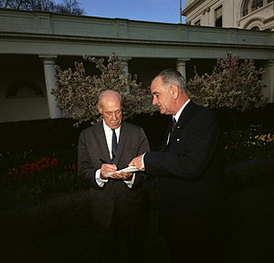 Drew Pearson (journalist) - Drew Pearson (left) with President Lyndon Johnson in the White House Garden in 1964.