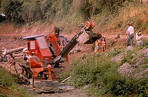 Salwarpe - Excavation of the Droitwich Canal bed at Salwarpe in 1978