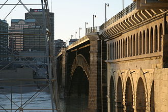 Eads Bridge - Eads Bridge from East Riverfront MetroLink station, Illinois side