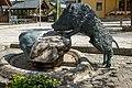 Eberstein Unterer Platz Brunnen Eber-Skulptur 07052019 6956.jpg
