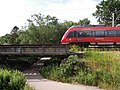 Eisenbahnüberführung über die Weiße Elster im Verlauf des Heuwegs in Leipzig -Westliches Widerlager mit Last- im Juni 2019.jpg