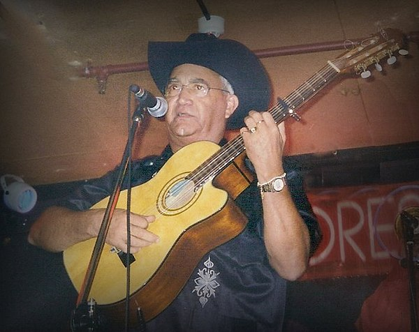 Photo Eliades Ochoa via Wikidata