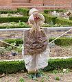 Epouvantail du jardin potager de Bercy.JPG