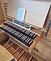 Erding-Klettham, St. Vinzenz (Orgelanlage, Spieltisch) (2).jpg