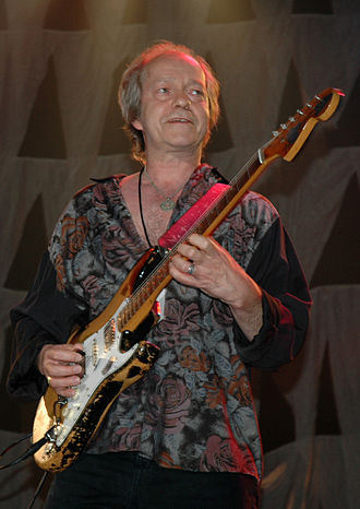 Eric Bell - Bell performing at the unveiling of the statue for former bandmate Phil Lynott, 2005