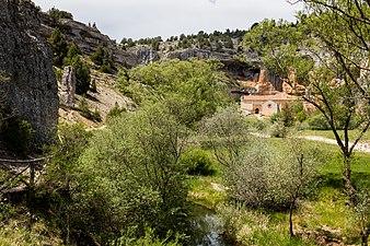 Ermita de San Bartolomé, Parque Natural del Cañón del Río Lobos, Soria, España, 2017-05-26, DD 18.jpg