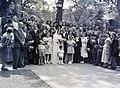 Esküvői csoportkép, 1946 Budapest. Fortepan 105191.jpg