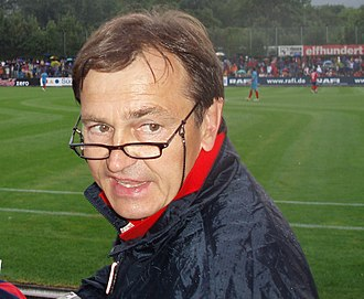 ASC Oțelul Galați - Ewald Lienen, coach who saved Oțelul from relegation in 2014, despite a difficult financial situation