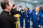 Expedition 54 Preflight (NHQ201712170050).jpg