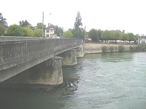 Arcis-sur-Aube - Bridge over the Aube at Arcis-sur-Aube