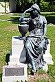 Ferlach Parkfriedhof Skulptur Die Trauernde 17052011 744.jpg