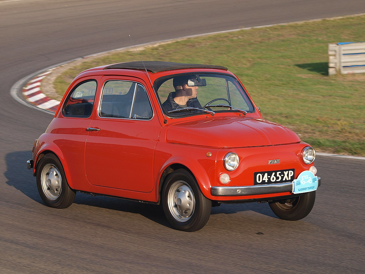 1280px-Fiat_500R_dutch_licence_registrat