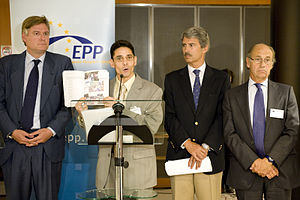 Antonio López-Istúriz White - López-Istúriz and Salafranca with Cuban dissidents at the EPP
