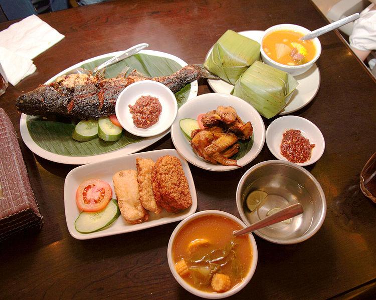 File:Food Sundanese Restaurant, Jakarta.jpg