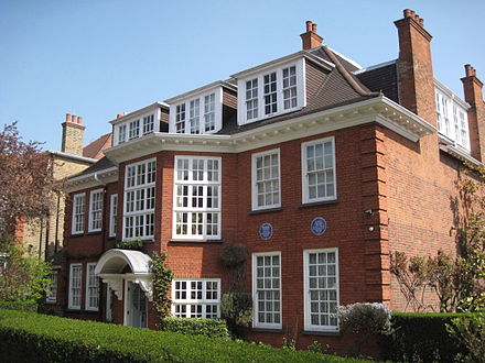 Freud's last home, now dedicated to his life and work as the Freud Museum, 20 Maresfield Gardens, Hampstead, London NW3, England. Freud Museum London 2.jpg