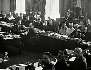 Gandhi in London meeting, 1931
