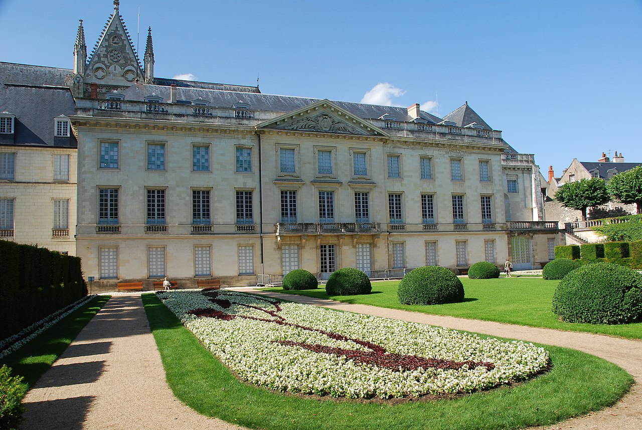 file garden at musee des beaux arts in tours. Black Bedroom Furniture Sets. Home Design Ideas