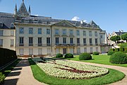Garden at Musee des Beaux Arts in Tours, France.jpg