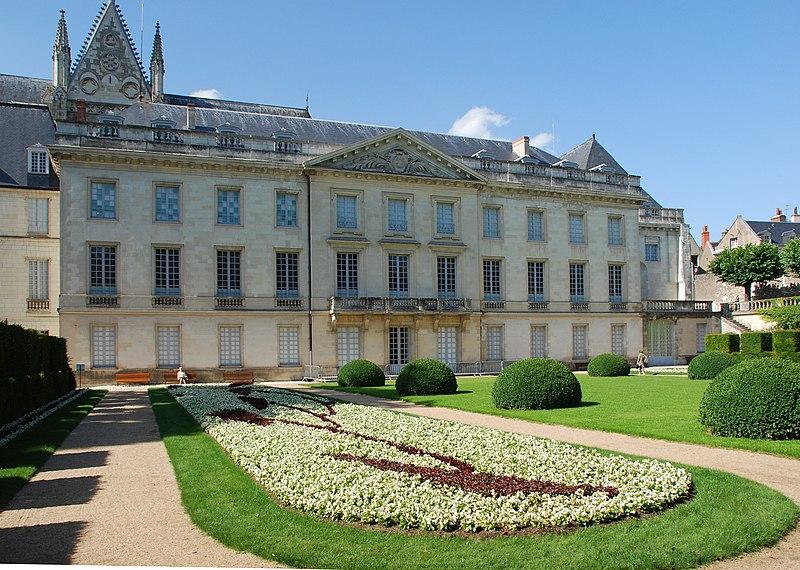 Достопримечательности Тура (Tours), Франция - что посмотреть в Туре: кафедральный собор Сен-Гатьен
