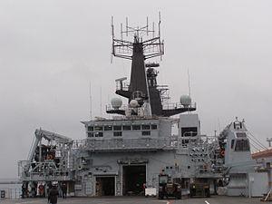 Gdynia HMS Bulwark nadbudowka.jpg
