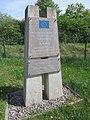 Gedenkstein an der A 71, Parkplatz Thüringer Becken Ost.jpg