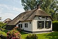 Giethoorn Netherlands Channels-and-houses-of-Giethoorn-09.jpg