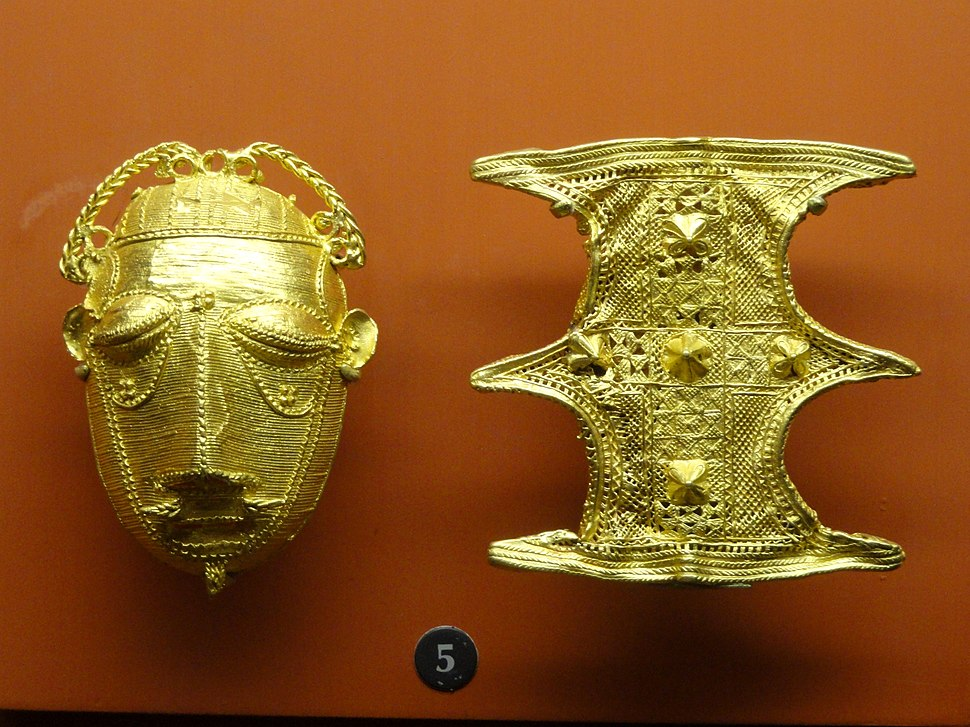 Gold ornaments (mask and shield), Ashanti - African objects in the American Museum of Natural History - DSC05964