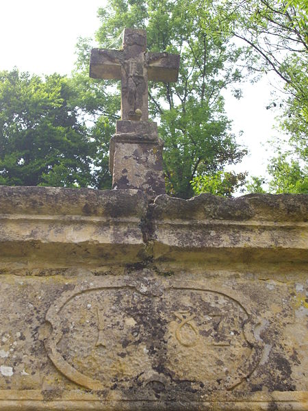 Cross on the aedicula ahead Saint Clement chapel of Gorze (Moselle, France). Date : 1582 ?