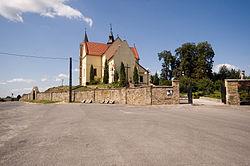 Gowarczow - kościół p.w. śś. Piotra i Pawła.jpg