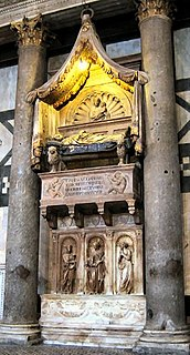 Tomb of Antipope John XXIII Marble-and-bronze tomb monument of Baldassare Cossa created by Donatello and Michelozzo in Florence