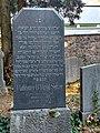 Grabstein des ehemaligen Rabbiners David Selver 2.jpg