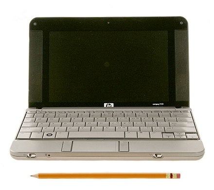 An HP netbook HP 2133 Mini-Note PC (front view compare with pencil).jpg