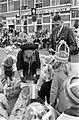 Hare Majesteit bezoekt Oost-Groningen. Koningin Juliana bezoekt Winschoten en on, Bestanddeelnr 922-8496.jpg