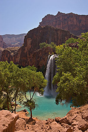 Color of water - High concentrations of dissolved lime give the water of Havasu Falls a turquoise color.