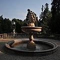 Hermesvilla Tilgnerbrunnen 5260.JPG