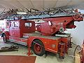 Historical fire engine 03.JPG