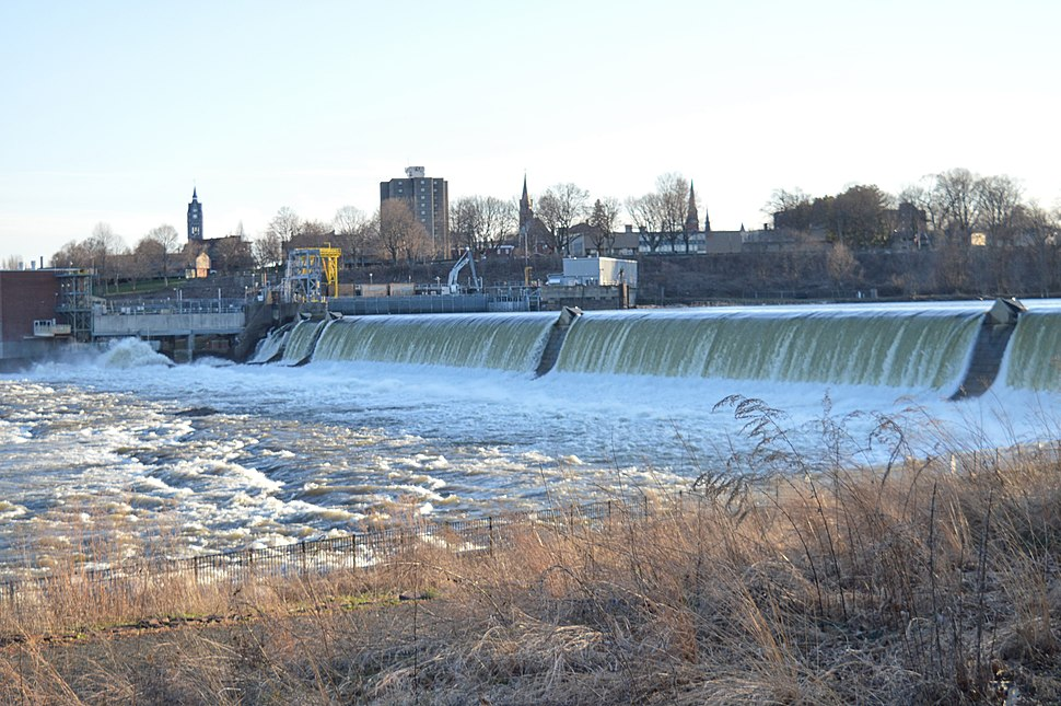 Holyoke Dam during thaw, 2018