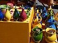 Huiliers et pots à eau sur le marché d'Aubagne.jpg